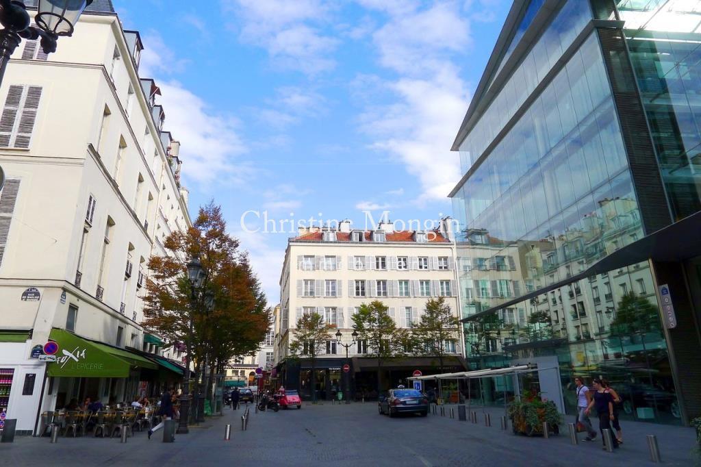 1280px-P1040427_Paris_Ier_place_du_Marché-Saint-Honoré_rwk